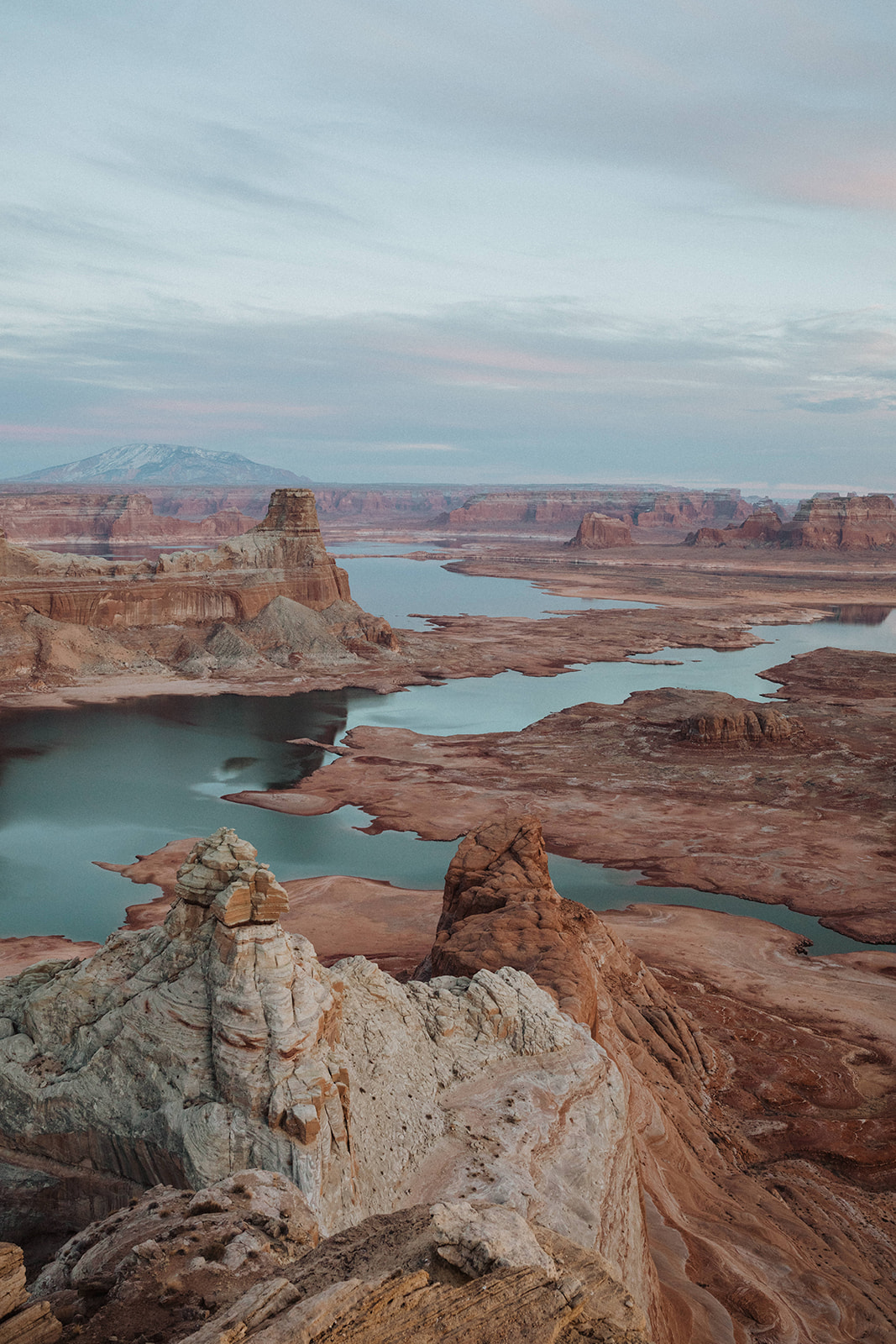 An image of the desert cliffs and canyons of Lake Powell by Alexa Ann, an elopement photographer.
