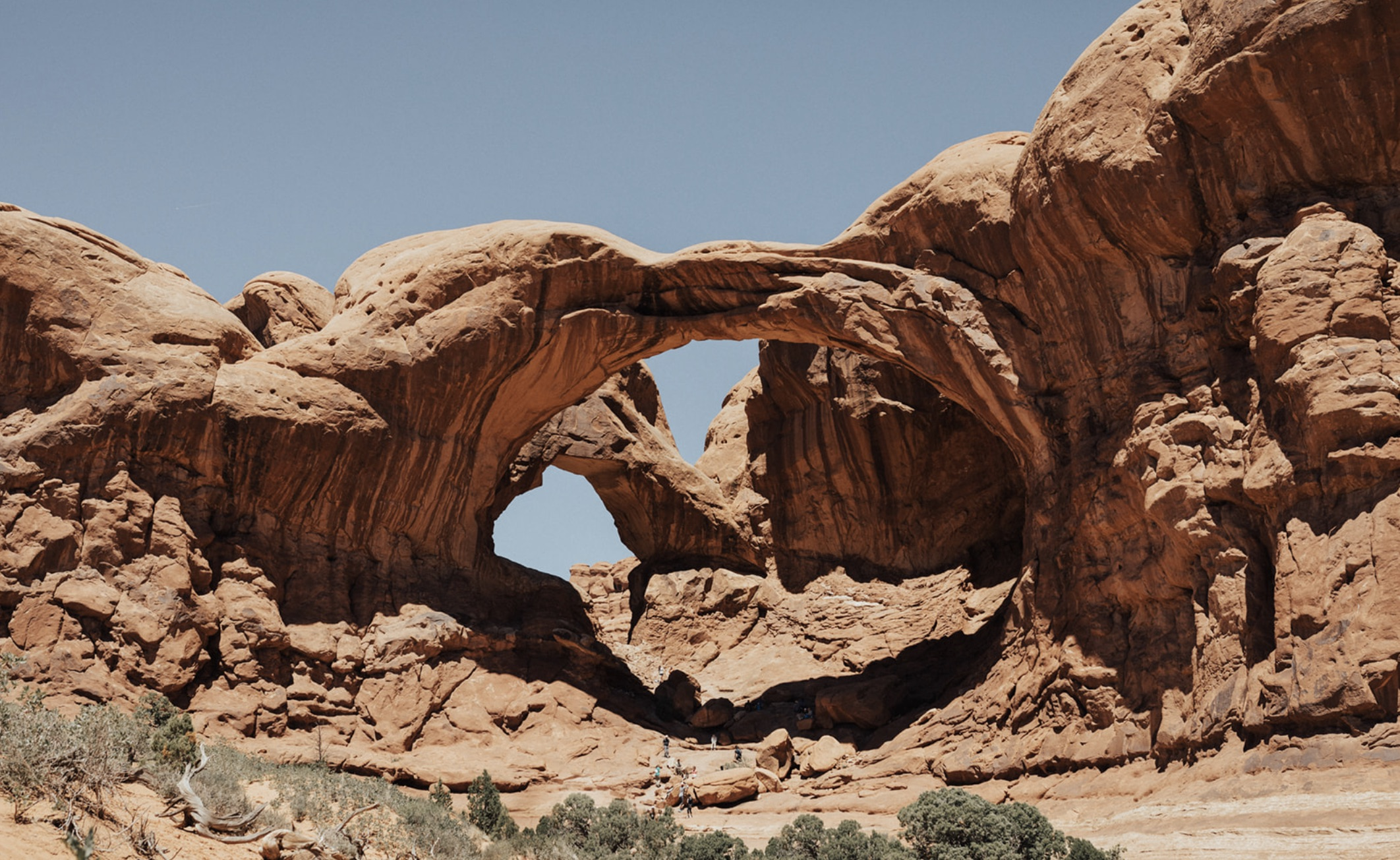 An image of the Arches in Moab, Utah photographed by Alexa Ann, Seattle elopement photographer.